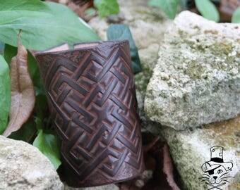 Wide bracelet - tracery