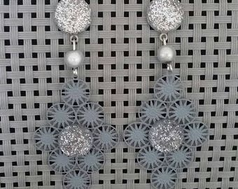 """""""Festive Grey"""" earrings 6 cm"""