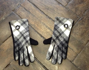 black and white tartan fleece gloves, one size