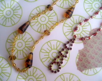 Set of 2 NECKLACES for * beads and fancy *.