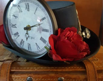 Steampunk Men's or Woman's hat with working clock
