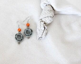 Resin grey Roses earrings