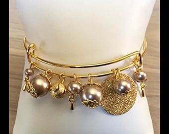 Bangle with glass beads and stardust beads-