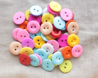 10 round buttons in Acrylic colours