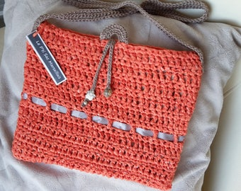Contemporary bag lined with fabric