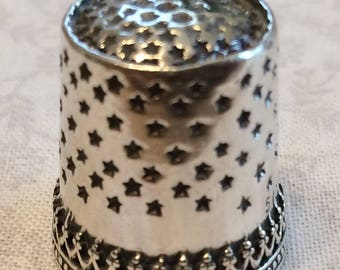 Hearts Band thimble with Quilters ridge Sterling Silver Sewing Thimble by TJ Lane