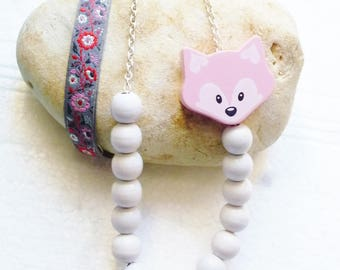 Necklace long beads and white Fox and Ribbon