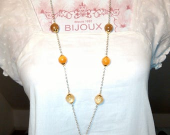 Necklace drops of gold