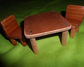 KITCHEN TABLE and 2 chairs for Dollhouse wooden