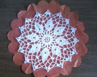 N77 DOILY crocheted in cotton