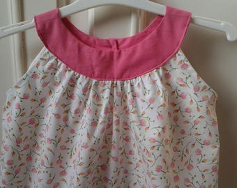 pretty flowered dress with round yoke