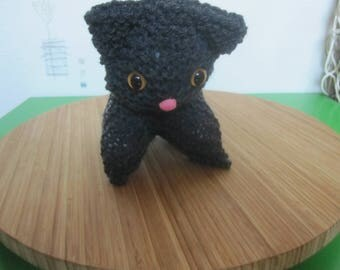 hand knitted grey cat