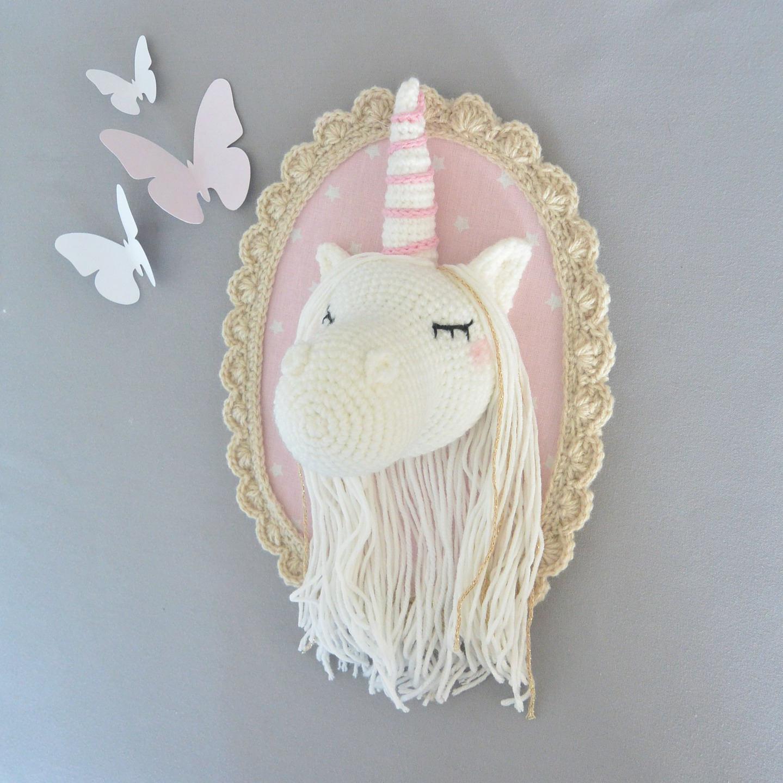 troph e licorne beige rose poudr au crochet. Black Bedroom Furniture Sets. Home Design Ideas