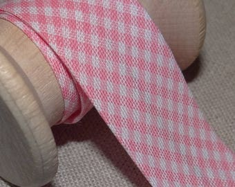 Pink gingham bias layette, width 20 mm