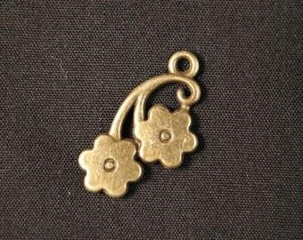 Charm / bronze floral pendant 23 x 12mm