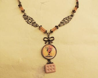 Vintage pub read necklace