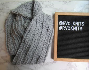Ribbed Infinity Scarf  // Chunky Knit Scarf