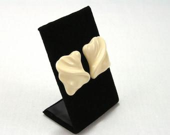 Creamy Marzipan Resin Earrings