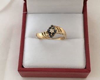 14K Solid Gold Central Diamond 8 Accent Sapphire Gemstone Ring Yellow gold