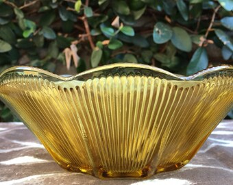 Amber serving bowl