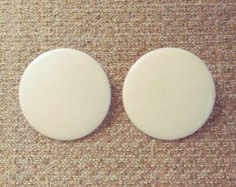 Clip-on Cream Resin Disc Earrings