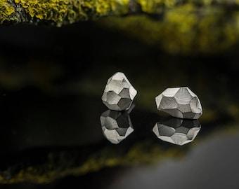 Silver stud earrings - Faceted earrings - Contemporary stud earrings