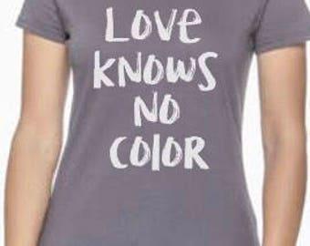Short Sleeve Love Knows Women's Tshirt