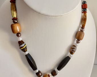 Necklace with a small african  masque