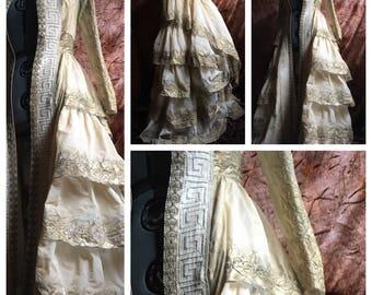 Queens Golden Robe
