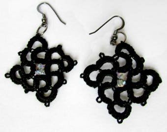 Black lace earrings / Tatted earrings / Tatted jewellery / Lace jewellery / Gift for her