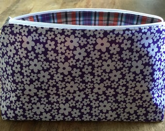 Cosmetic MAKE UP BAG Purple Daisy