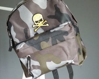 Camo backpack gold skull patch