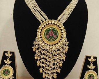 Royal necklace and earrings set