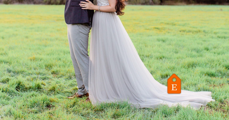 light grey bridesmaid dress off white lace strapless wedding, Badezimmer ideen