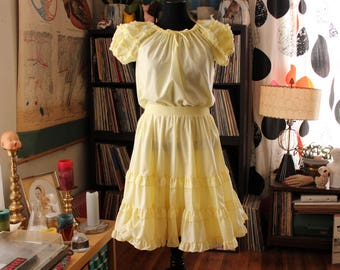 vintage yellow ruffled circle skirt and off the shoulder blouse set . Partners Please square dancing dress, womens size medium large