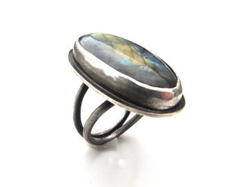 Big Split Band Sterling Silver and Labradorite Cocktail Ring - Size 8 OOAK