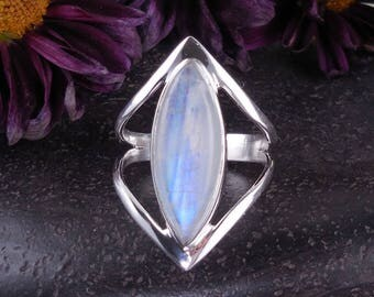 Moonstone sterling silver ring – size 7