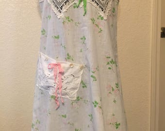 Romantic Dress/Gown Vintage Crocheted Lace Size Small/Med  Pink Green
