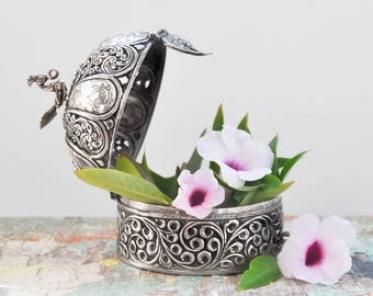 Vintage Ornate 900 Silver Box - round repousse filigree peacock bird jewelry trinket box - domed lid betel nut paan daan container