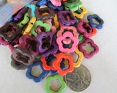 20mm Dyed Howlite Flower Beads, Assorted Bead Destash, Colorful Flower Beads, Howlite Beads, Bright Beads, Hippie Chic, Bead Variety