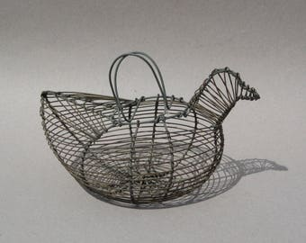 Vintage Wire Chicken Egg Basket Small Wire Woven Basket in Shape of a Chicken Farmhouse Decor Egg Gathering Basket Cottage Chic