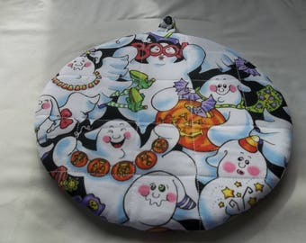 Halloween Ghosts, Quilted Pot Holder, Kitchen Decor, Quilted Hot Pad, Cotton Fabric, Double Insulated, Quilted Trivet, Round 9 Inches