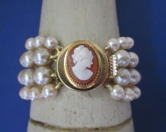 Vintage Pearl Bead Bracelet with Glass Cameo Clasp