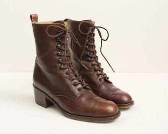 90s Vintage Chocolate Brown Lace Up Leather Ankle Boots / Square Heel Riding Boots Casual Grunge Prairie / Made in Italy / Size US 6 EU 36