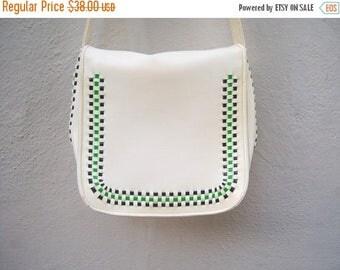 30% MOVING SALE Mod shoulder bag / 60s 70s purse / ivory go go bag / green black weave / vegan scooter bag