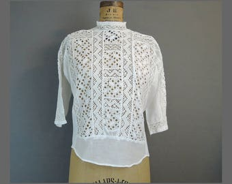 Edwardian 1900s Embroidered Eyelet Blouse, 38 bust, White Cotton Vintage Blouse, Button Back with Lace