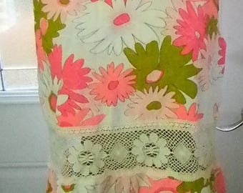 Christmas in July Vintage Handmade Flower Power and Lace Top