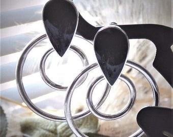 ChristmasInJulySALE..... Vintage Sterling Silver Black Onyx Teardrop Post Pierced Dangle Earrings