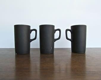 Kenji Fujita for Freeman Lederman, Modernist Pillared-Espresso Cups in Matte-Black & High Gloss White, MCM Japan c1960s
