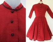 Vintage 1950s Lanz Dress / Cotton Prairie Calico in Dark Red / 50s Dress / Kimono Sleeve / Full Skirt Dirndl / Rockabilly Pinup Swing
